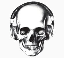 SKULL HEADPHONES by crumpy06