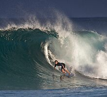 Pipeline Surfer 9 by Alex Preiss