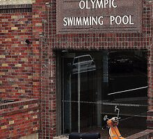 North Sydney Olympic Swimming Pool by Keri Buckland