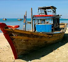 Beached Boat by Karl Willson