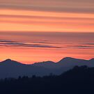 Mountain sunset by Ian Middleton