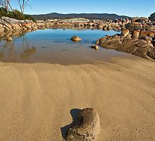 Beach and rocks at Binalong Bay by Roger Neal