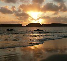 St Ninian's Waves by Redbarron
