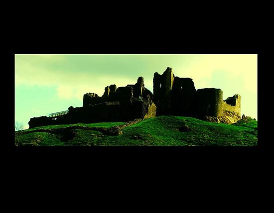Carreg Cennen Castle / Castell Carreg Cennen by AlvinBurt