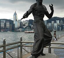 Bruce Lee Statue by LindyLouMac