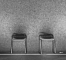 empty chairs by edozollo