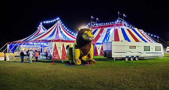 """""""Off To The Circus"""" by Phil Thomson IPA"""