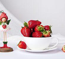Strawberries by torishaa