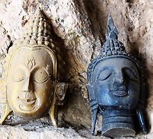Two Buddha Heads © by Ethna Gillespie