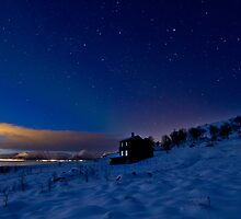 The old house under the stars by Frank Olsen