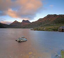 Anzac Dawn Shoot at Cradle Mountain by tinnieopener