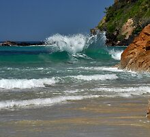 Wave Reaction at Coolum by Barbara Burkhardt