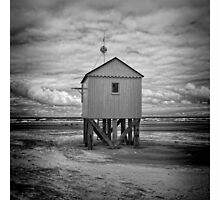 Hut on the beach by douwe