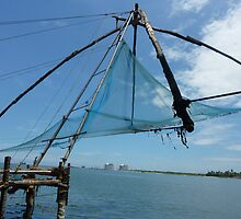 Fishing Chinese style in Cochin, Kerala by roaminallover