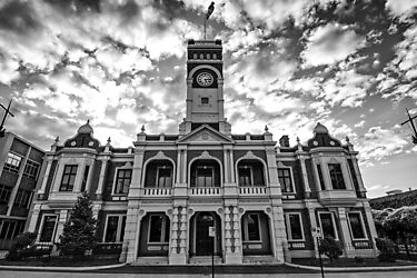 Toowoomba City Hall by Tim Swinson