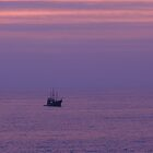 "Purple Ocean With The ""Pirate"" Ship - Océano Violeta con Marigalante by PtoVallartaMex"