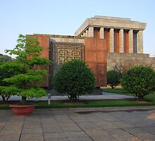 Side view of Ho Chi Minh's Mausoleum by mechelle142