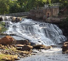 Reedy River Falls by jaholloway