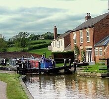 On the way down - lock 3, Braunston...................! by Roy  Massicks