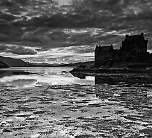 Eilean Donan Castle, Loch Alsh, Kintail, Scottish Highlands by Iain MacLean