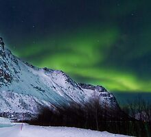Aurora over the icy road by Frank Olsen