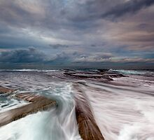 Walk the Line - Mona Vale, NSW by Malcolm Katon