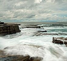 Storm at Maroobra by donnnnnny