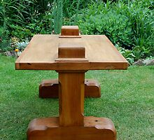 CROFT HOUSE FURNITURE ARTISAN STEVE MALLENDER - PEEKA'POKE TABLE by Tuartkatz