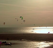 Kite Surfers in Norfolk by Veterisflamme