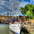 Pageant Boat by Thasan