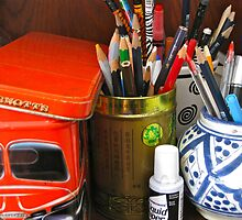 6/6 pen and pencil pots by Evelyn Bach