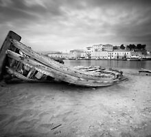 Where Boats Die.. by peterlevi
