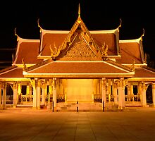 Golden Temple Bangkok by Bob Christopher