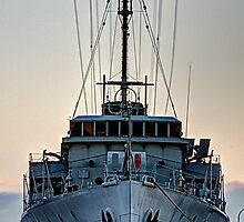 HMAS Castlemaine by collpics