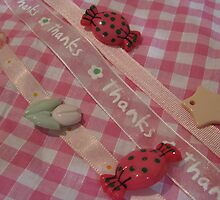 pretty buttons and bows by Jeannine de Wet