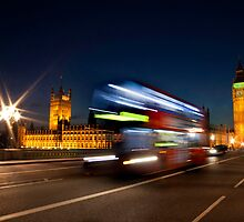 Westminster Night Bus by Neil  Pickin