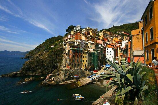 Riomaggiore Cinque Terre by becmcinnes
