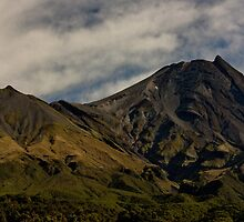 Mount Taranaki  by PePhotography