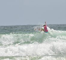 Surf's up - Roxy Pro 2012 by mbutwell
