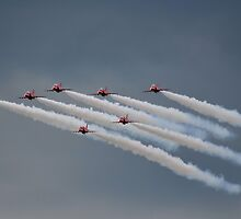Red Arrows by relayer51