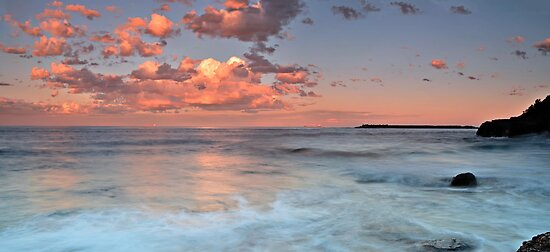 Pink Pano, Caves Beach by bazcelt