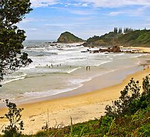 Flynns Beach, Port Macquarie  by TonyCrehan