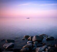 Ship on the horizon by yurybird