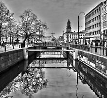 Canal reflection by ClickSnapShot