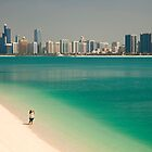 beach and skyline of Abu Dhabi by reisefoto