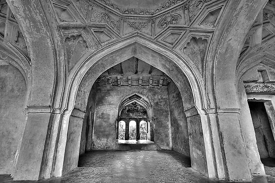 The arches of Sajja Kothi - Fort Panhala by Prasad