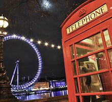 London Telephone Box by jwoodrow