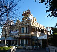 The Brekkie Ck Pub  by PhotosByG