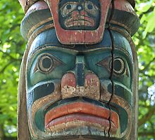 Totem Pole by Vac1