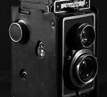 Ikoflex Zeiss Camera by Keiran Bernstein